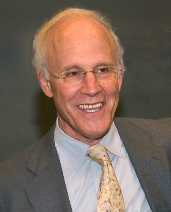 David Gross, Κάτοχος Βραβείου Nobel 2004 Φυσικής -Καθηγητής Θεωρητικής Φυσικής και Διευθυντής Ινστιτούτου Θεωρητικής Φυσικής Πανεπιστημίου της Καλιφόρνια
