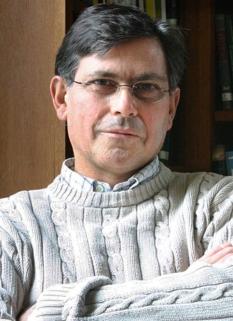 George Efstathiou, Καθηγητής Αστροφυσικής και Διευθυντής του Ινστιτούτου Κοσμολογίας Πανεπιστημίου Κέμπριτζ. Εταίρος της Βασιλικής Άκαδημίας