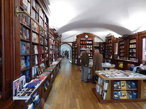 Livraria Bertrand Bookshop 9